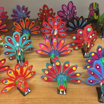 Le monde magique des Alebrijes : un artisanat mexicain coloré.