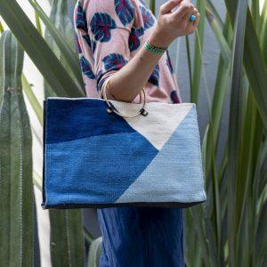 sac de designer en laine fine, tissé à la main et teint avec des couleurs 100% naturelles