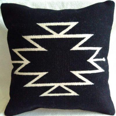 housse coussin en laine noir